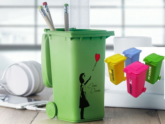Plastic Container Pen Holder
